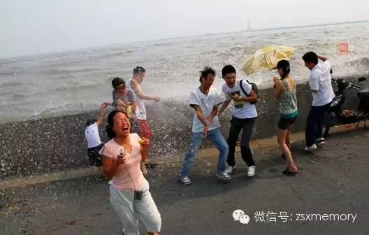 2007年秋,杭州下沙七格观潮胜地。