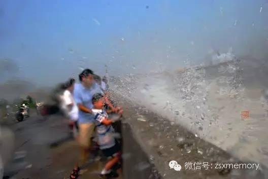 2013年秋,杭州下沙七格观潮胜地。