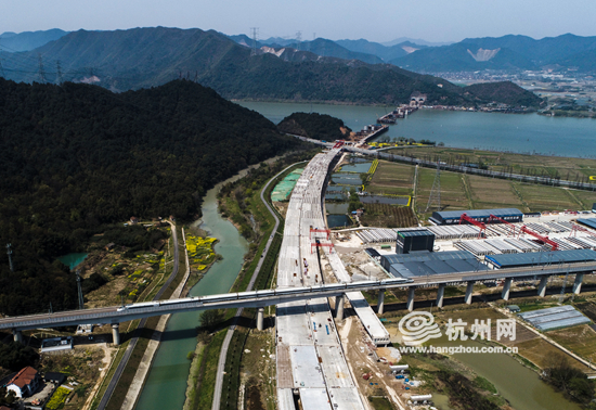 """杭州""""二绕""""紧张建设 富春江特大桥有望今年通车(组图)"""