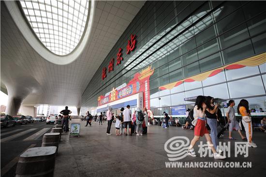 杭州仅剩一列火车等待开行 8月11...