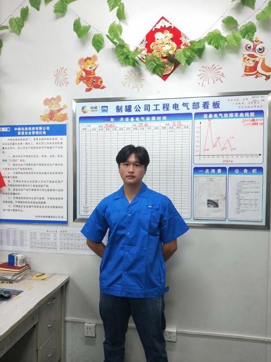 励志!20岁的恩施小伙两年前走出大山来杭州 他如今已成为家里顶梁柱
