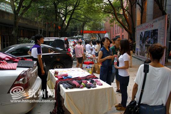 今年6月举办的创意风尚节创意集市为临平新天地创意园聚了人气.