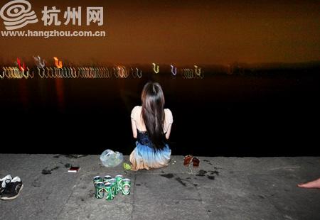 女游客落水西湖 魚佬大救起 - 杭網原創 - 杭州網