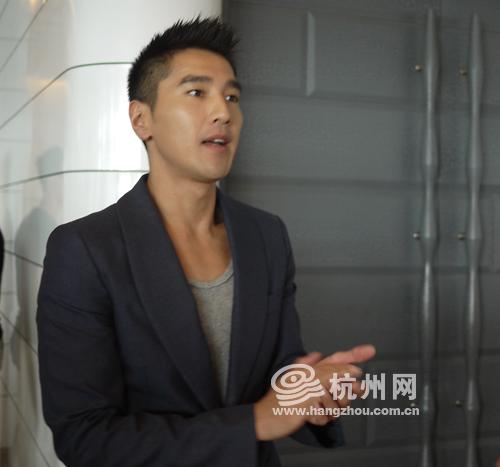 赵又廷携林更新来杭州宣传 《痞子英雄2》不逊好莱坞大片
