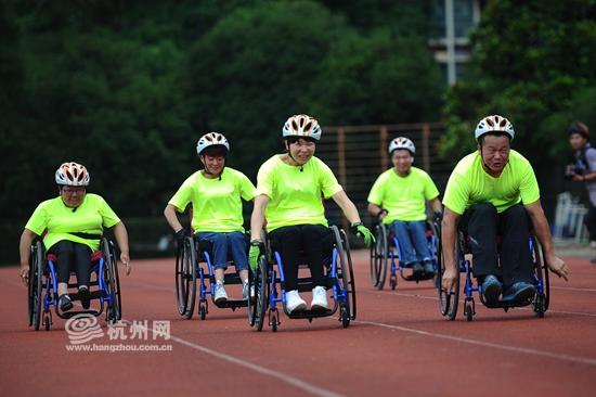 心奔跑在追梦的跑道上 杭州轮跑队成立啦