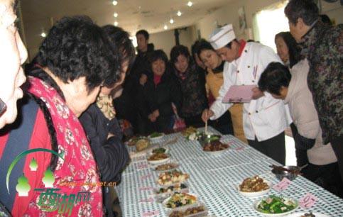 """西湖网:下马塍社区居民""""低碳,环保""""厨艺比拼"""
